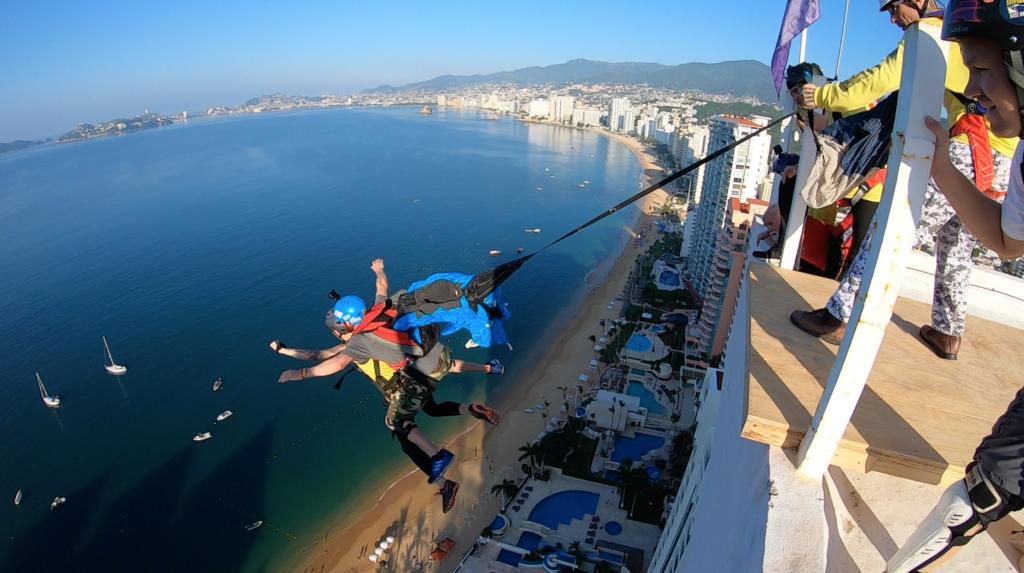 53e401752a00 Sean Chuma - Professional Base Jumper and Stuntman